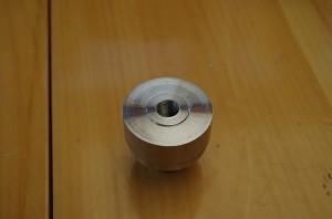 Embout fileté en 14mm à gauche standard, i la été raccourci par la suite.